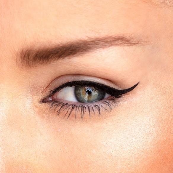 Eyeliner Black Stroke